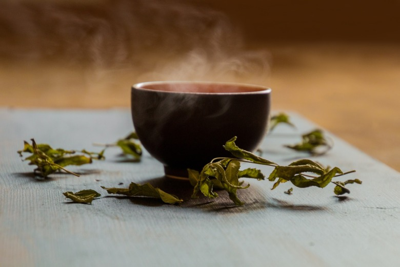 headache-tea-healthy-body-www.happypositive.news.jpg